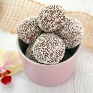 Easy Chocolate Coconut Balls