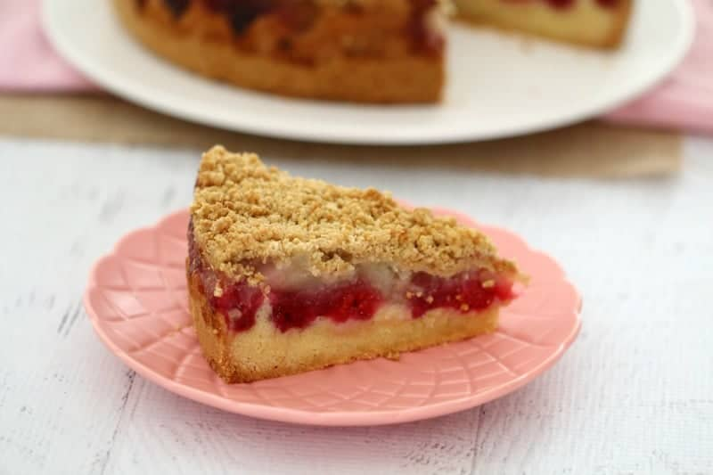 Raspberry-Apple-Crumble-Cake-5