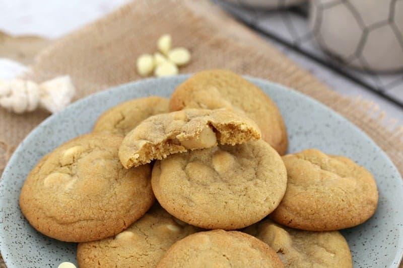 White Chocolate And Macadamia Cookies Thermomix