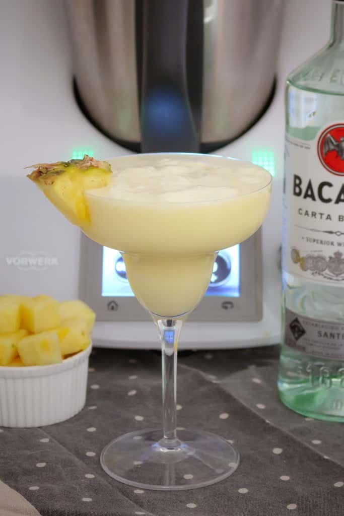 Creamy and delicious... our Thermomix Pina Colada takes less than 1 minute to make (and tastes AMAZING!!). The perfect summer cocktail!