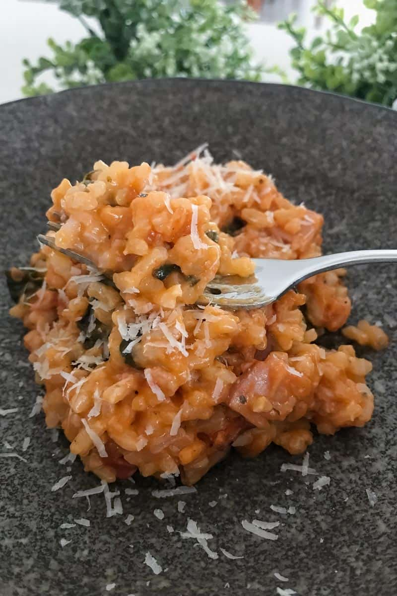 Our Thermomix Bacon & Tomato Risotto is the perfect family dinner... quick, easy and totally delicious!