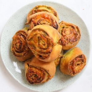 Our Thermomix Pesto & Cheese Scrolls are made using the famous 2 ingredient dough recipe... a quick and easy lunch box recipe!