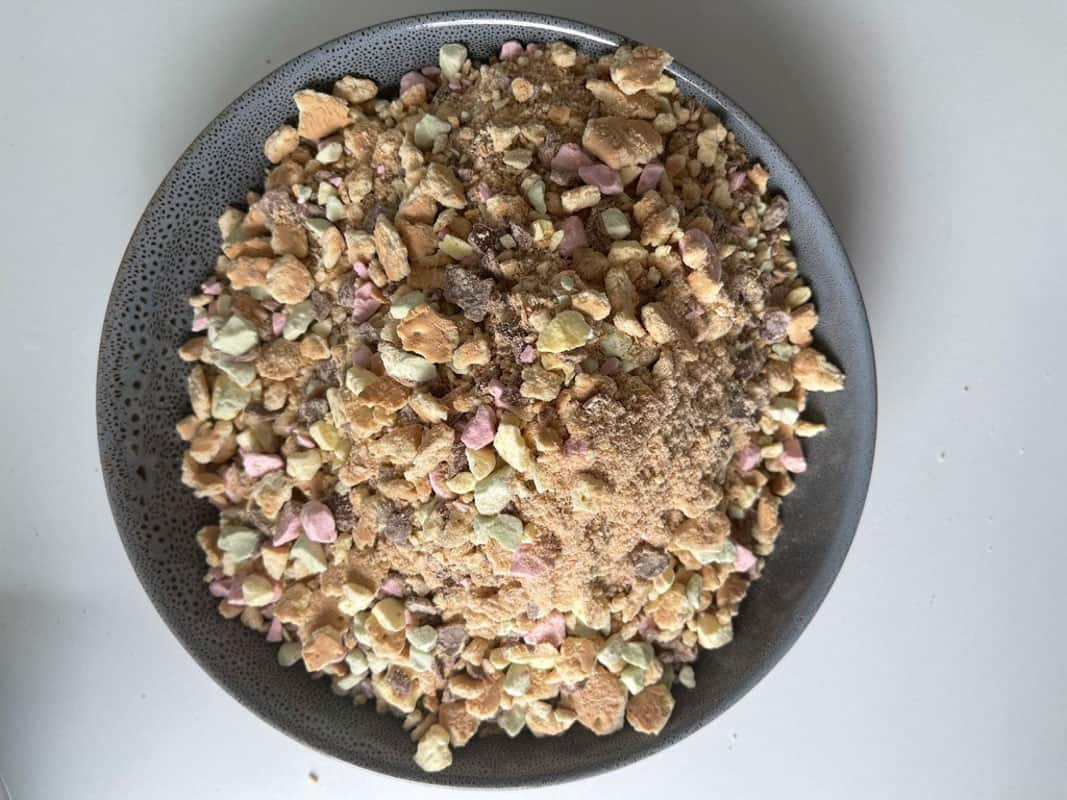 Crushed bsicuits and Clinkers in a bowl.