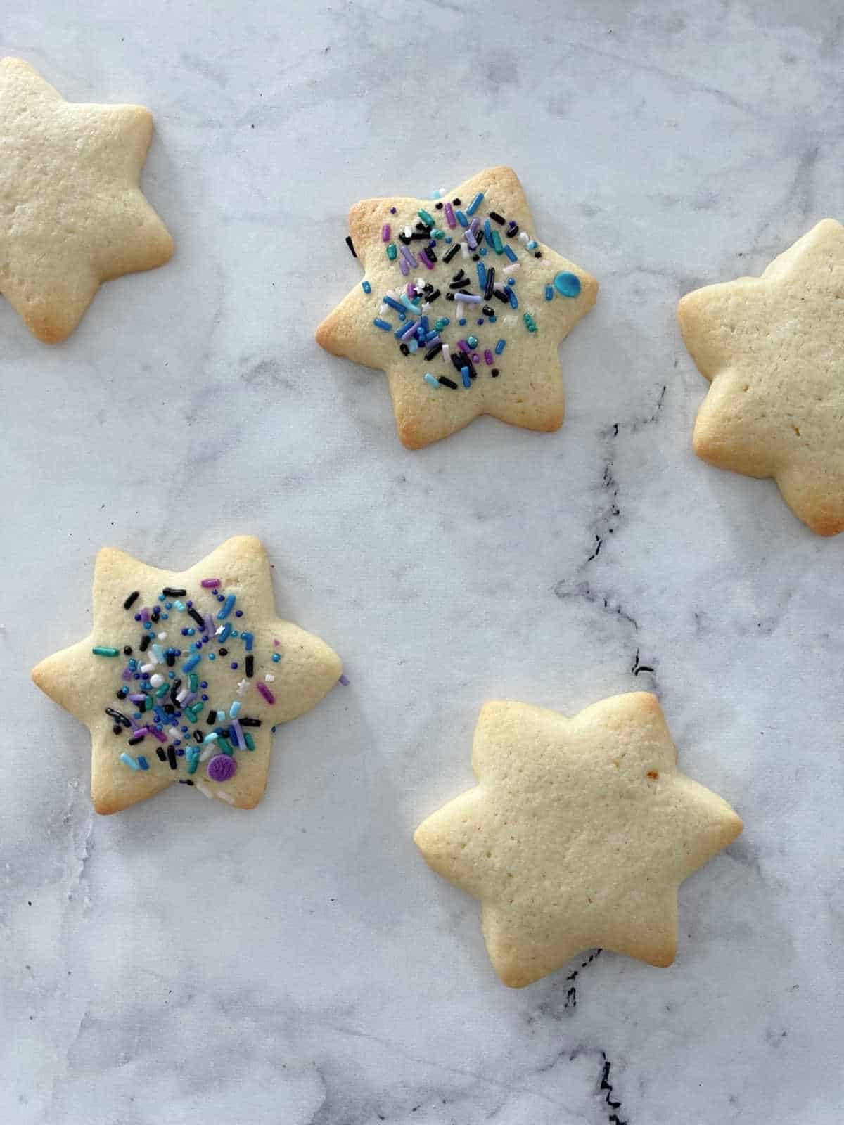 thermomix sugar cookies decorated with sprinkles